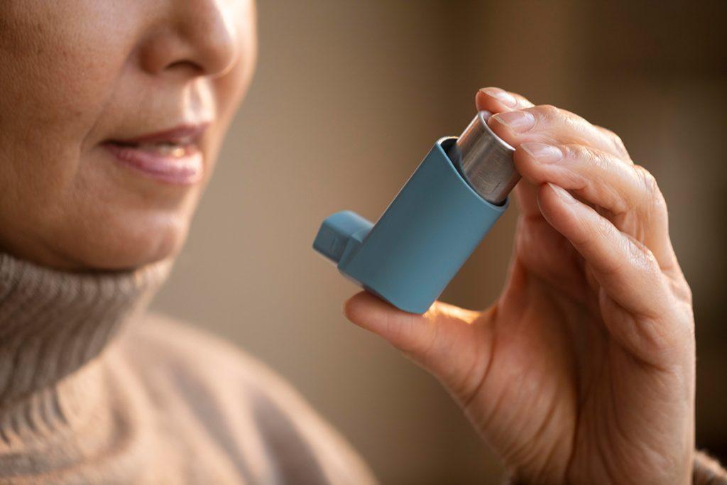 astma amsterdam, benauwd, astma aanval, allergie, allergisch, ademhaling, longfysiotherapie, longfysiotherapeut, psychosomatische fysiotherapie, sportfysiotherapie, sportfysiotherapeut, psychosomatisch fysiotherapeut, ademhalingsoefeningen, puffer, astmageneesmiddel, hulp bij astma, leven met astma, fysiotherapie, fysio bij astma, fysiotherapie bij astma, fysio